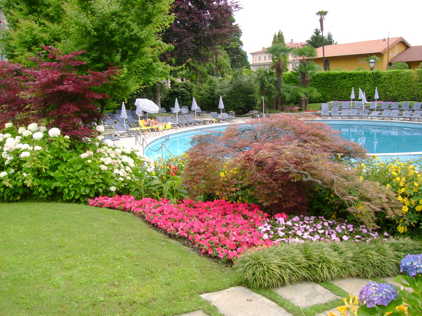 Realizzazioni spazio verde - Giardini con piscina ...